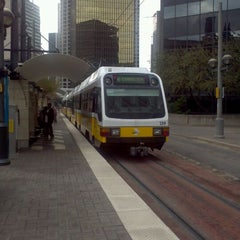 Photo taken at Pearl/Arts District Station (DART Rail) by Michael H. on 11/6/2011