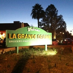 Photo taken at La Grande Orange Grocery & Pizzeria by Marne P. on 3/14/2012
