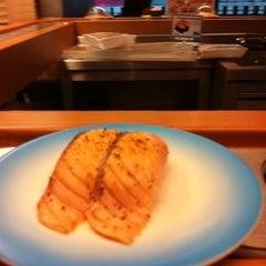 Photo taken at Heiroku Sushi (เฮโรคุ ซูชิ) by Amy M. on 1/7/2012