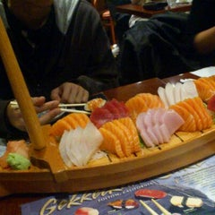 Photo taken at Hinote Sushi by Bonnie E. on 11/6/2011