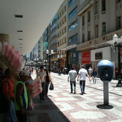 Photo taken at Calçadão da Rua Halfeld by Priscila L. on 1/3/2012