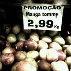 Photo taken at Loja das Frutas by Liliane P. on 6/24/2011