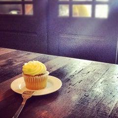 Photo taken at L'USINE: Et la Cafeteria de L'Usine by Dennis P. on 9/1/2012