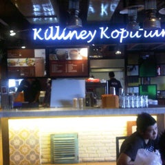 Photo taken at Killiney Kopitiam by Satrio R. on 9/5/2011
