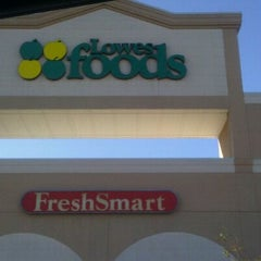 Photo taken at Lowes Foods by Levi H. on 10/16/2011
