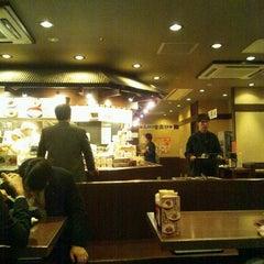 Photo taken at 丸亀製麺 仙台東口店 by Satoru A. on 10/28/2011