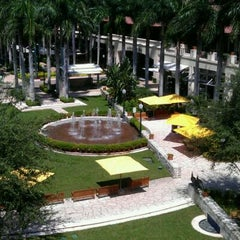 Photo taken at Shops at Merrick Park by Lois B. on 9/9/2011