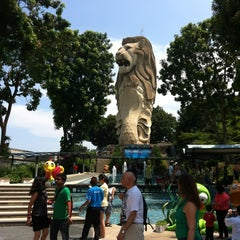 Photo taken at The Merlion (Sentosa) by Nid Noi L. on 4/29/2012