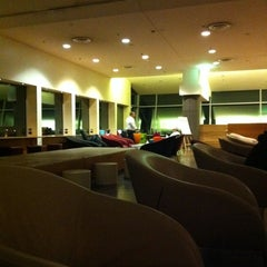Photo taken at Qantas Club by emusan on 9/9/2011