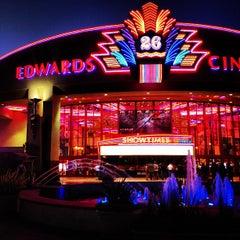 Photo taken at Edwards Long Beach  26 & IMAX by Pakorn T. on 7/10/2012