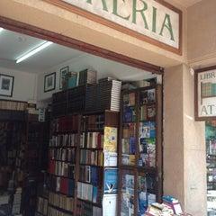 Photo taken at Librería El Ático by Paul H. on 7/30/2012