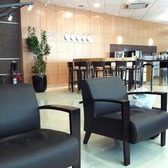 Photo taken at Sala VIP Centurion Club by Júlio G. on 9/18/2011
