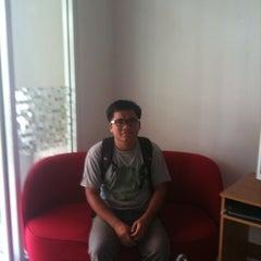 Photo taken at Jomtien hostel by Rapoehcute on 5/17/2012