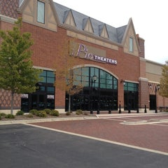 Photo taken at IPic Theaters South Barrington by Dan M. on 8/12/2012