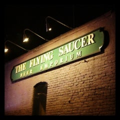 Photo taken at Flying Saucer Draught Emporium by Beer P. on 6/18/2012