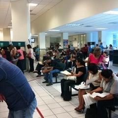 Photo taken at Subdelegación Hidalgo IMSS by Fernando R. on 5/4/2012