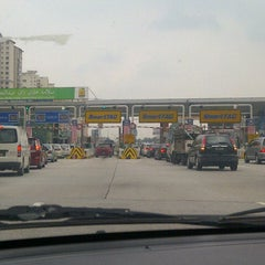 Photo taken at Plaza Tol Sungai Besi by Patzie G. on 8/17/2012