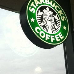 Photo taken at Starbucks | ستاربكس by NMA189 on 2/11/2012