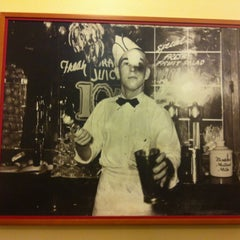 Photo taken at Fentons Creamery & Restaurant by Vanessa J. on 8/22/2012