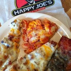 Photo taken at Happy Joe's Pizza by Jay B. on 3/3/2011