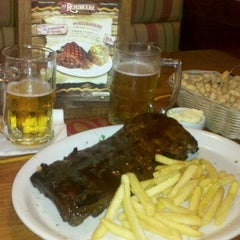 Photo taken at Roadhouse Grill by Fernando L. on 12/16/2011