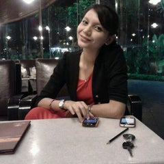 Photo taken at OldTown White Coffee by Mohd I. on 3/31/2012