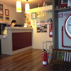 Photo taken at River City Inn Hostel by NuuNueng :. on 7/18/2012