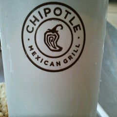 Photo taken at Chipotle Mexican Grill by Frannie on 7/24/2012
