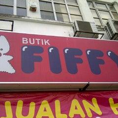 Photo taken at Butik Fiffy @ USJ by ☆ général  on 10/2/2011
