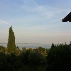 Photo taken at B&B Locanda del Gardoncino Manerba del Garda by Ines E. on 7/23/2012
