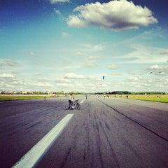 Photo taken at Tempelhofer Park by Nils J. on 7/22/2012