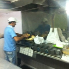 Photo taken at Estrela Lanches by Gustavo C. on 10/9/2011