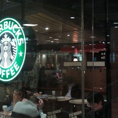 Photo taken at Starbucks 星巴克 by Frank C. on 1/16/2011