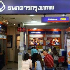 Photo taken at ธนาคารกรุงเทพ (Bangkok Bank) by Arada Y. on 3/14/2011