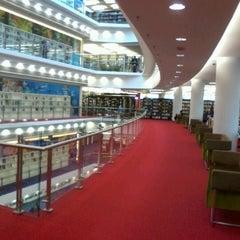 Photo taken at Perbadanan Perpustakaan Awam Selangor (PPAS) by Nazira H. on 12/31/2011