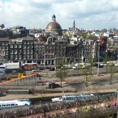 Photo taken at ibis Amsterdam Centre by Julio Guido M. on 4/27/2012