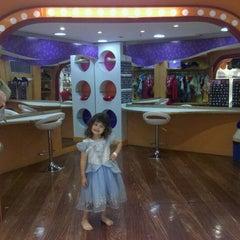Photo taken at Barra Kids by Rubens J. on 11/6/2011