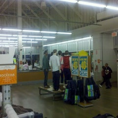 Photo taken at Old Navy by George H. on 10/8/2011