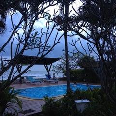 Photo taken at White Beach Resort by Prapaiporn P. on 3/17/2012