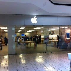 Photo taken at Apple Store, Beverly Center by Rainer S. on 4/11/2012
