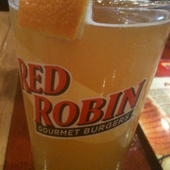 Photo taken at Red Robin Gourmet Burgers by Sharyn H. on 2/11/2012