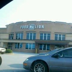 Photo taken at Food Lion Grocery Store by C R. on 7/6/2012