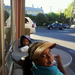Photo taken at Big Spoon Yogurt by Ayesha A. on 9/10/2012
