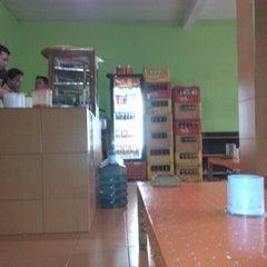 Photo taken at Mie ayam Jabrik by Didik W. on 7/11/2012