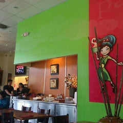 Photo taken at Papaya Vietnamese Restaurant by Vinay K. on 5/10/2012