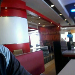 Photo taken at KFC & Pizza Hut Subang 2 by Mohd H. on 9/10/2012