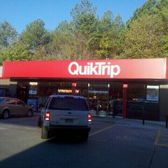 Photo taken at QuikTrip by L'Vaughn S. on 10/23/2011