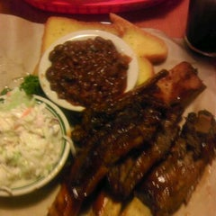 Photo taken at Dillon's Grill by Rob F. on 11/12/2011