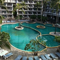 Photo taken at Pattawia Resort and Spa by Beam on 6/11/2011