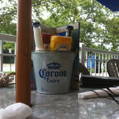 Photo taken at Cheeseburger in Paradise - Secaucus by Julio E. on 7/24/2011